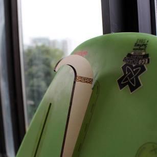 Gnarwall - Le gadget parfait pour accrocher votre planche de surf au mur 04