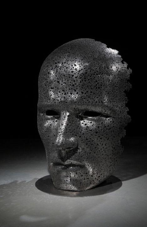 Les-Sculptures-grandeur-nature-de-Chaînes-de-Vélo-expriment-des-Émotions-humaines-puissantes-09
