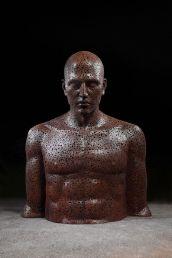 Les-Sculptures-grandeur-nature-de-Chaînes-de-Vélo-expriment-des-Émotions-humaines-puissantes-14