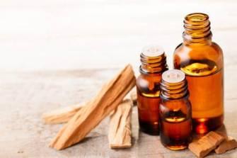 L'huile essentielle de bois de santal est bénéfique pour la santé physique et mentale
