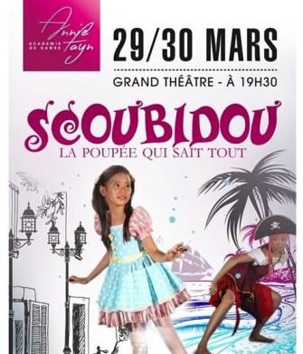 Scoubidou, la poupée qui sait tout: Un univers magique