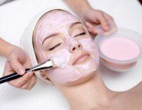 DIY : un masque naturel aux fleurs d'hibiscus