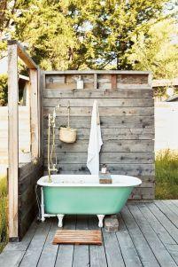 Une baignoire en extérieur (20)