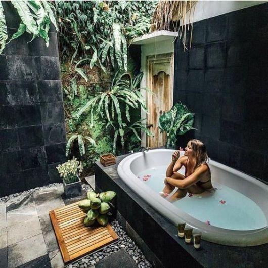 Une baignoire en extérieur (8)