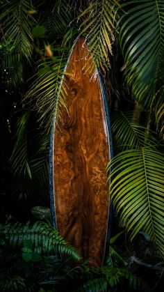 Up-cycle-Old-Surfboards-to-Make-Them-Look-Like-Wood-5cacbe0ce8f8f__880