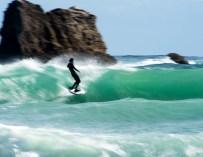 Noah Waggy et Timmy Reyes : un trip surf en Tasmanie dans «Southern Frontier».