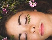 Le yoga peut-il aider à avoir une belle peau ?