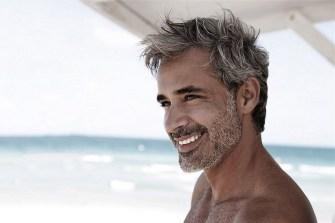 Les hommes doivent-ils teindre leurs cheveux gris ?