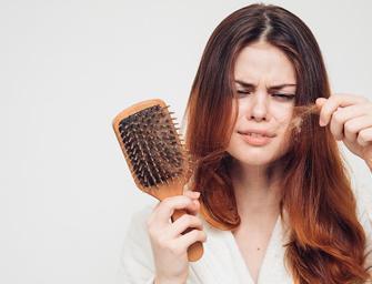 Luttez contre la chute de cheveux liée au stress !