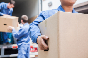 Don't Get Scammed! How to Avoid Shady Movers