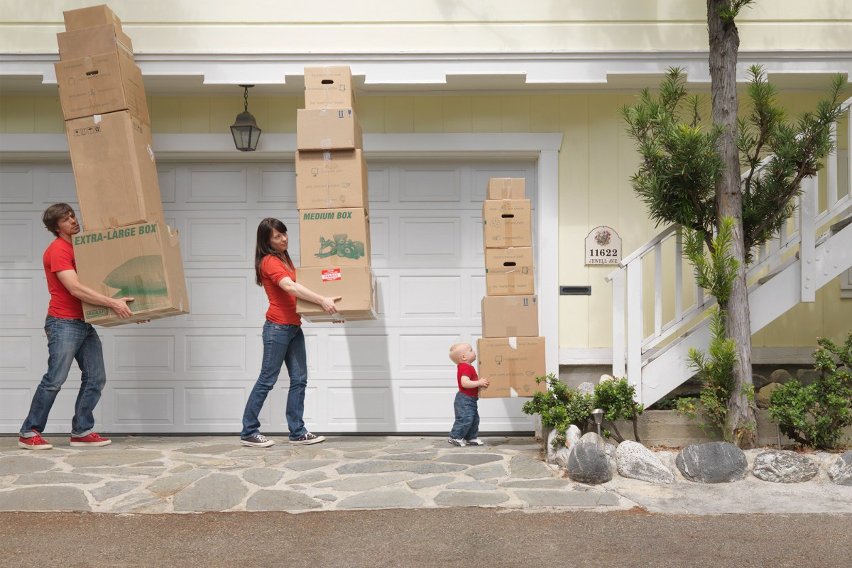 Why you should move before the baby comes or wait why for Moving into a new build house tips