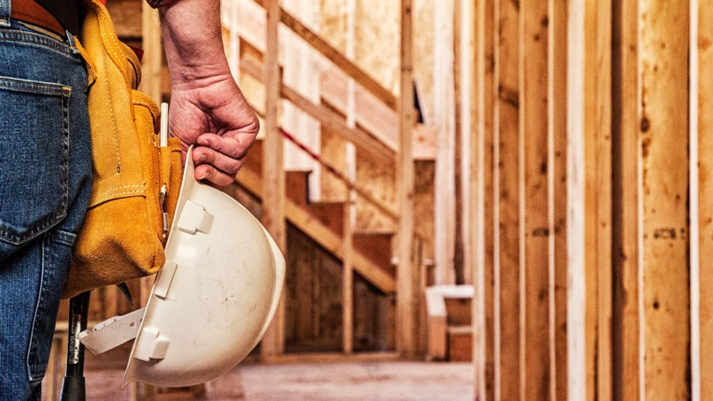 When to Call a Professional Home Contractor