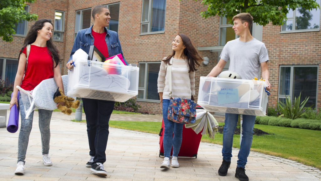 students moving off a college campus