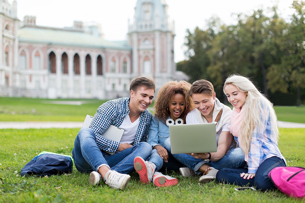 Calling All Students: These 5 Places Offer Free College