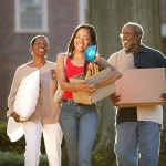 A List of What to Bring When Moving Into a College Dorm