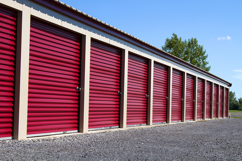 red self storage units