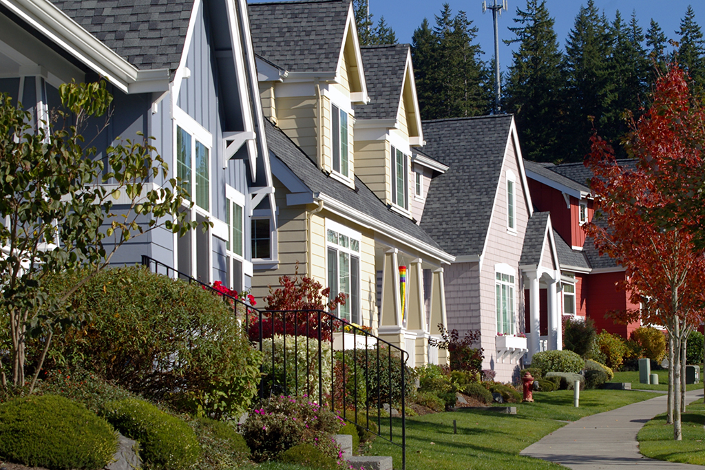 Moving to the 'Burbs? 10 Fantastic Suburbs in America to Call Home