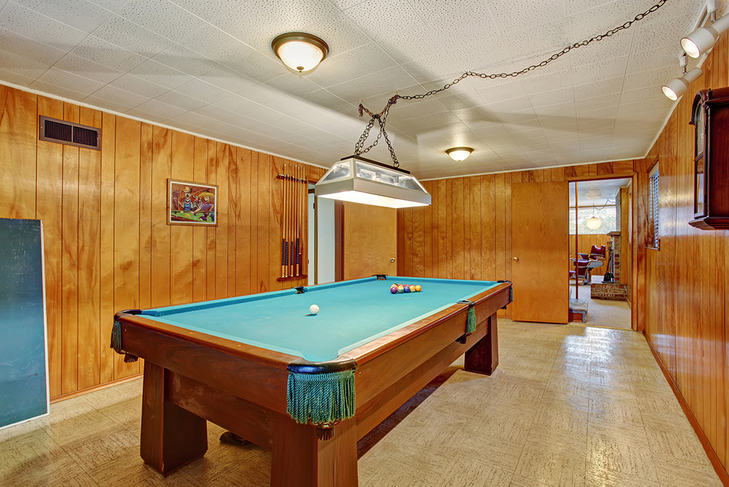Moving To A New House? Those Planning On Packing Up Their Old Pool Table  May Need Extra Help. In Fact, If Youu0027re Moving A Pool Table, You Should  Even ...