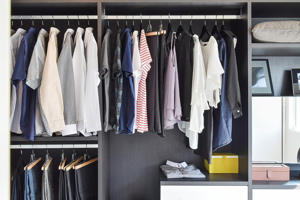 Charmant Clothes In Closet