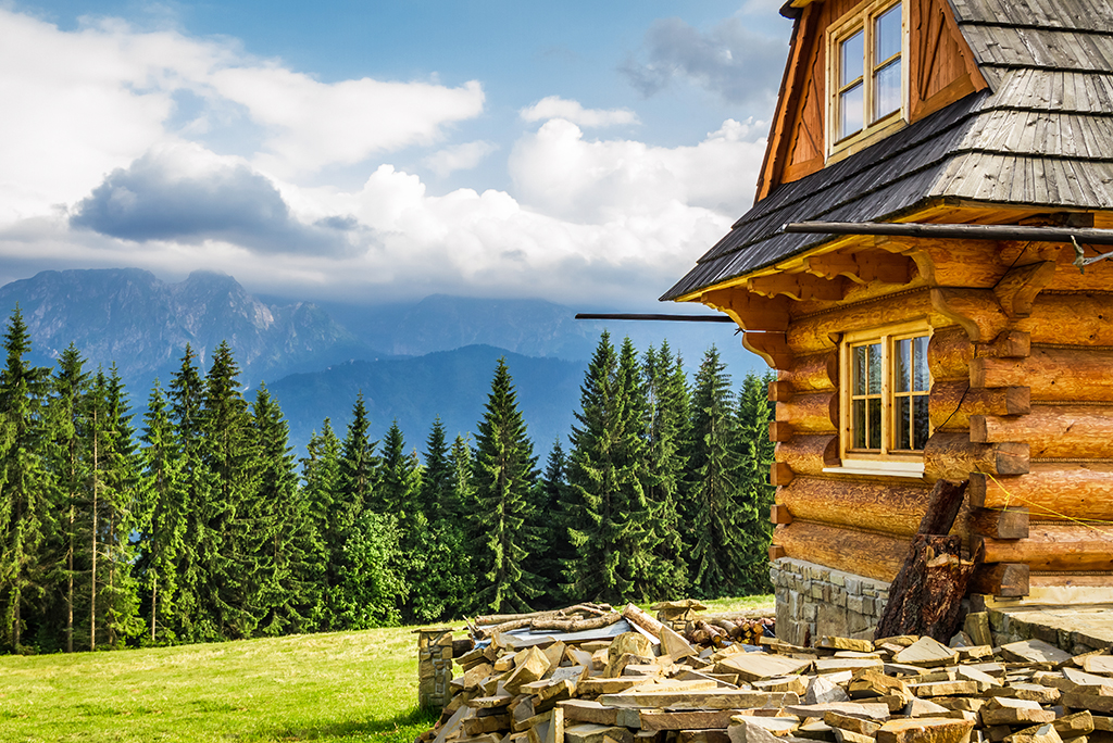 The Pros and Cons of Living in the Mountains