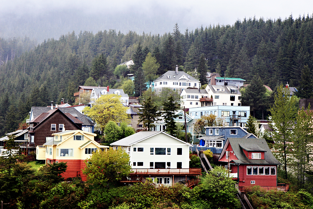 10 Reasons to Move to Alaska