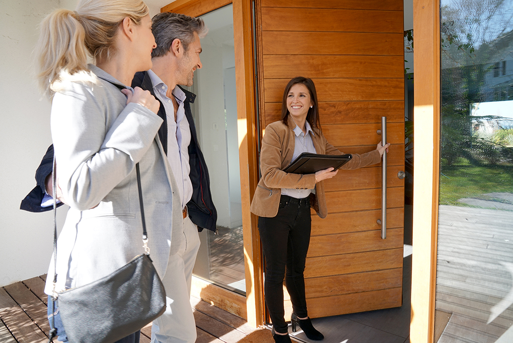 How to Choose a Real Estate Agent When You're Ready to Buy
