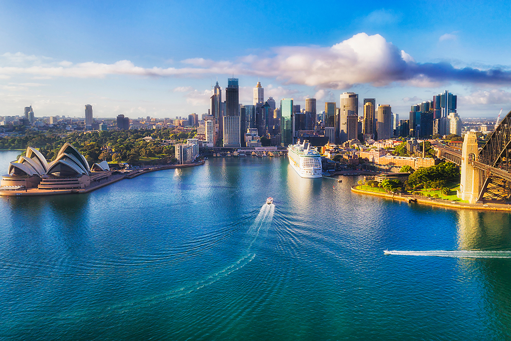 Your Guide to Moving to Australia