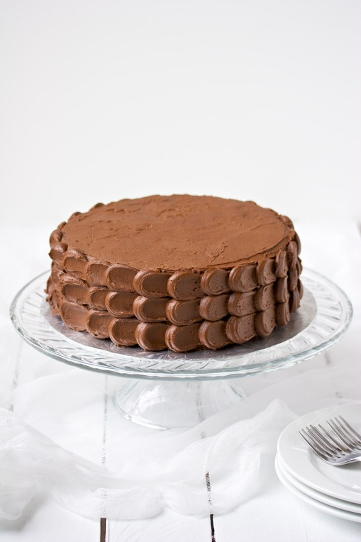 chocolate cake with chocolate buttercream frosting | movita beaucoup
