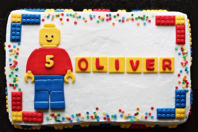 lego cake // movita beaucoup