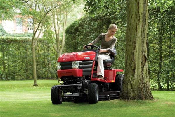 Westwood V25-50HE inc 50 IBS Deck & Powered Grass Collector