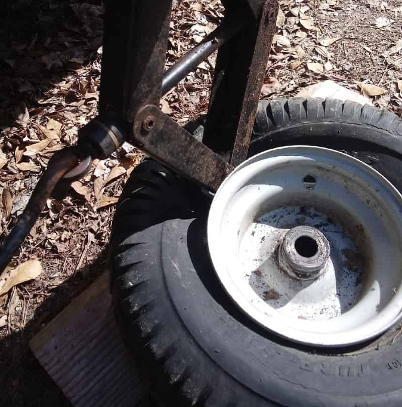 How to Break the Bead on a Lawn Mower Tire