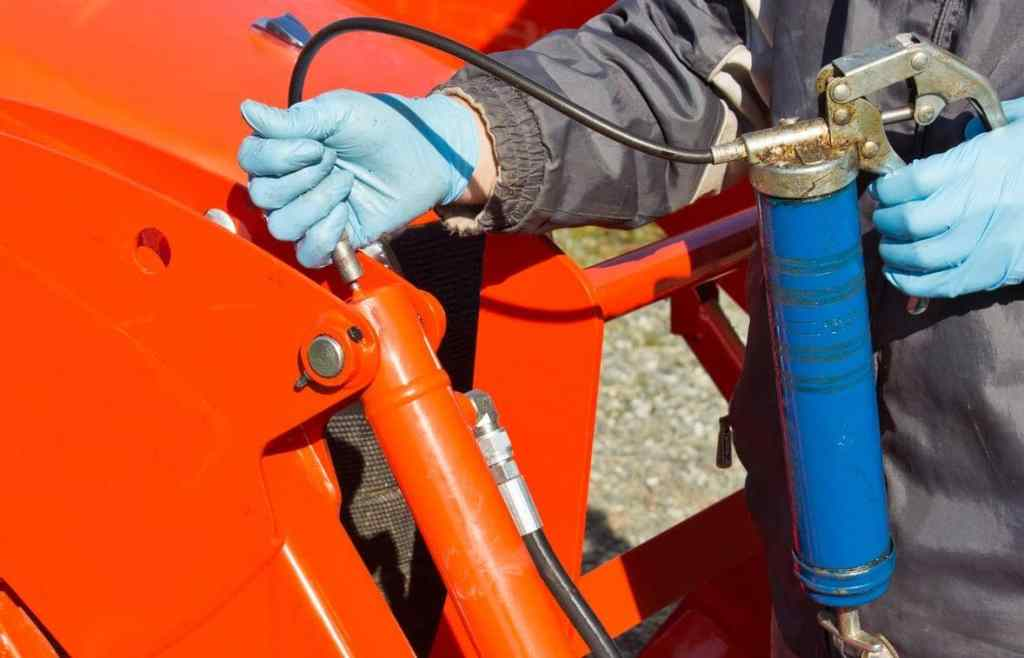 How to Use Grease Gun