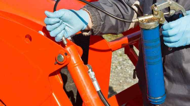 How to Use Grease Gun – Expert Guide + Tips by MNG