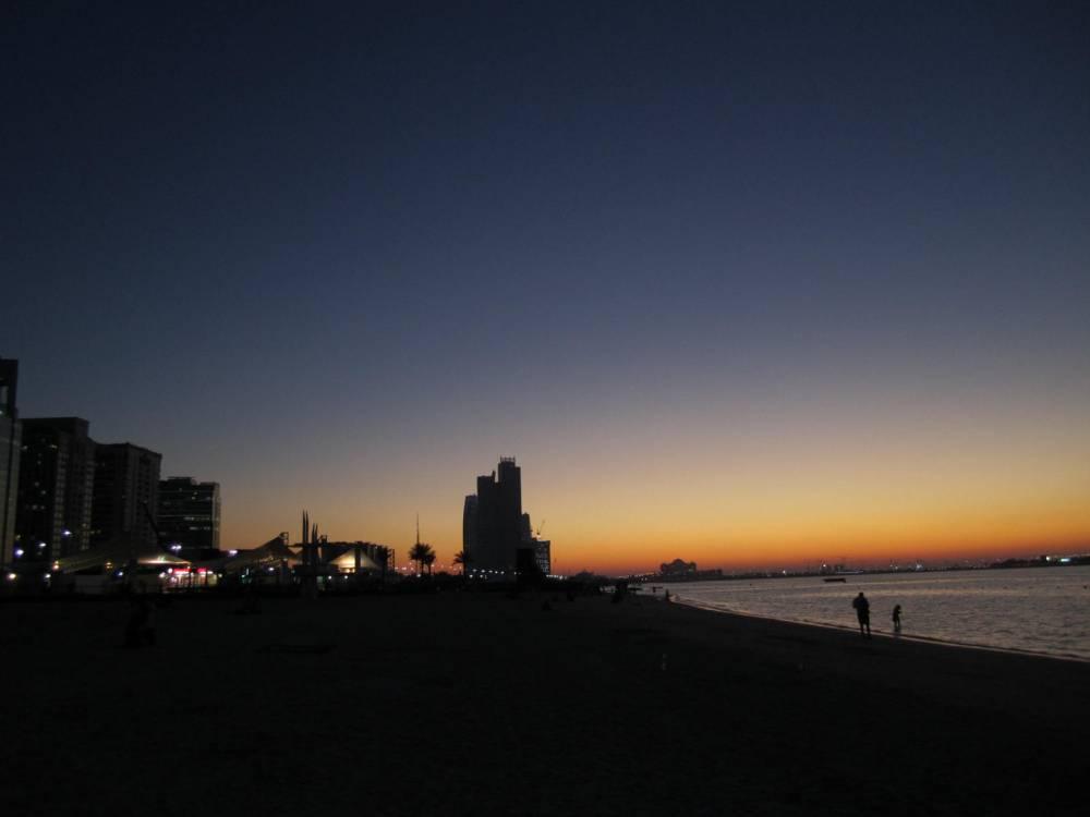 Abu Dhabi beach, a la F1! (1/2)