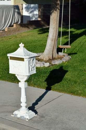 Mailbox 05