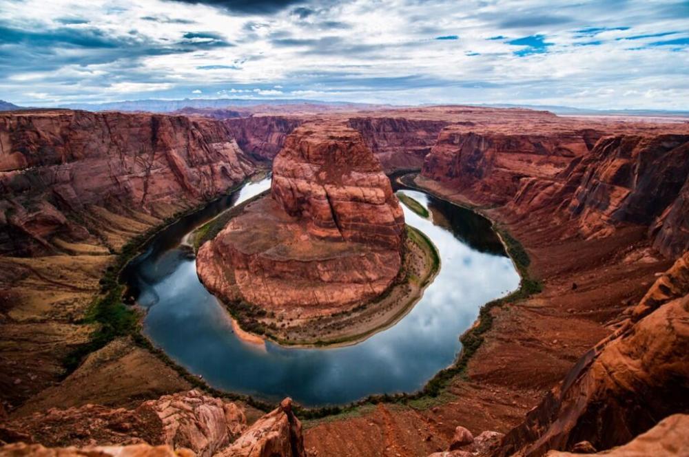 Horseshoe Bend, in the Glen Canyon National Recreation Area, Utah.