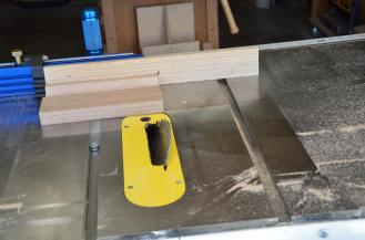 The end pieces are cut to a 30 degree angle on each side.