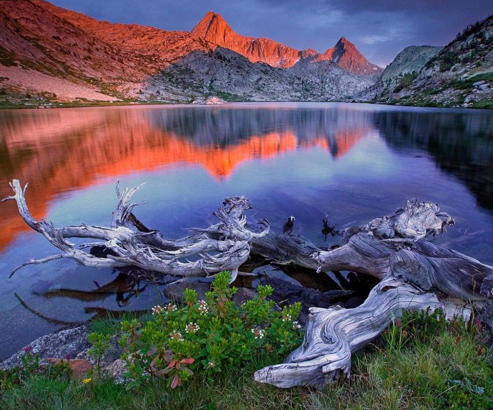 Last light over Evolution Lake. Kings Canyon National Park. Photo by Greg Owens. Tweeted by the US Department of the Interior, 3/20/15.