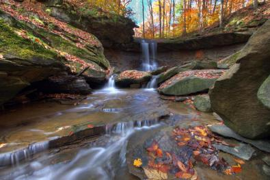 Fall has arrived in Ohio's Cuyahoga Valley National Park. Pic by Bob Trinnes. Tweeted by the US Department of the Interior, 10/8/15.