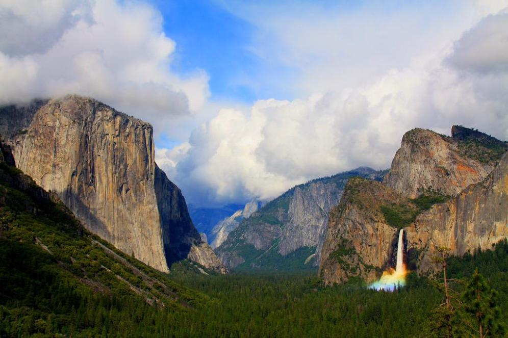 Yosemite Valley, in California's spectacular Yosemite National Park. Tweeted by the US Department of the Interior, 10/4/15.