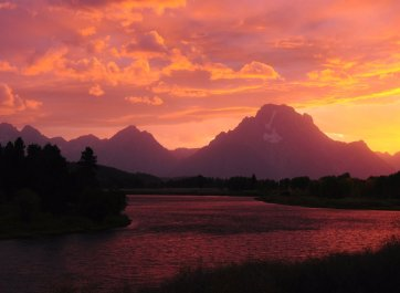 Idaho's Grand Teton National Park at sunset. Photo by Michel Hersen. Tweeted by the US Department of the Interior, 4/26/16.