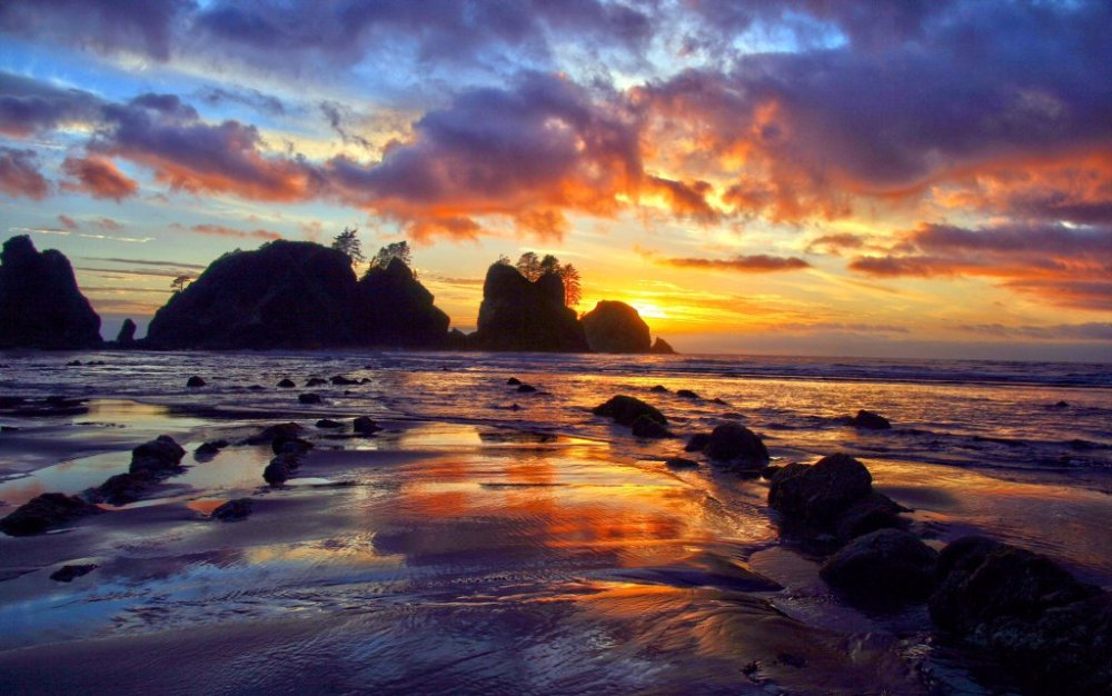 Sunset at Washington's Olympic National Park. Photo by Andy Porter. Tweeted by the US Department of the Interior, 4/7/16.