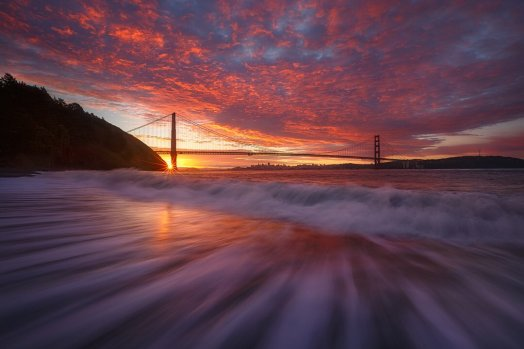 The stuff dreams are made of: A brilliant, fog-free sunrise at Golden Gate National Monument. Photo by Jeff Lewis. Tweeted by the US Department of the Interior, 7/22/16.