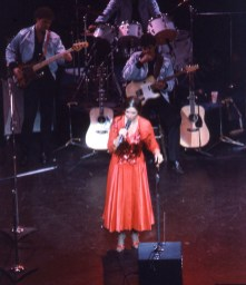 june-carter-cash-10-23-82-03