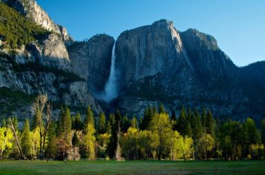 A gorgeous pic of Yosemite Valley National Park on an early spring morning. Photo by Douglas Croft. Tweeted by the US Department of the Interior, 3/26/15.