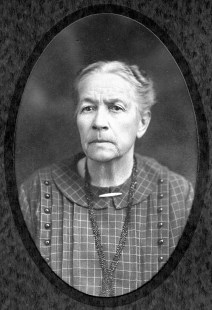 Samantha Cook Baugher (1853 - 1931), my mother's father's mother. My Great Great Grandmother.