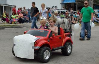 Graham Street Fair Parade 08