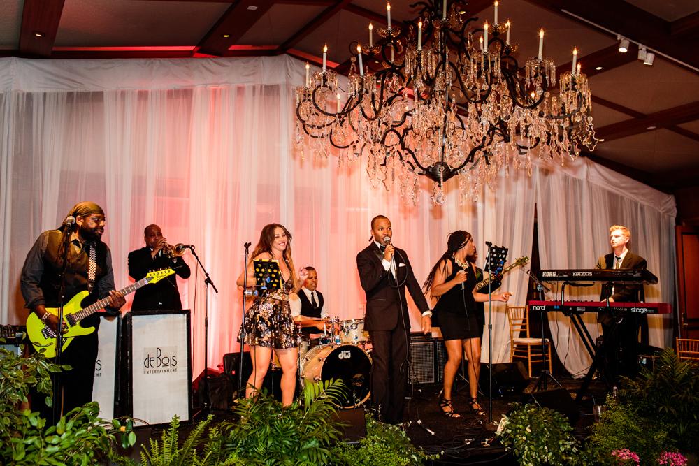 deBois Entertainment wedding band
