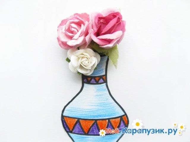 Krok za krokem kreslení váza s barevnými tužkami - Fotografie 18