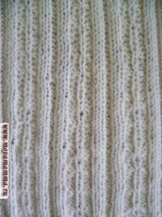 Spit Pattern con banda elastica 2x2 per la sciarpa dal lato sbagliato
